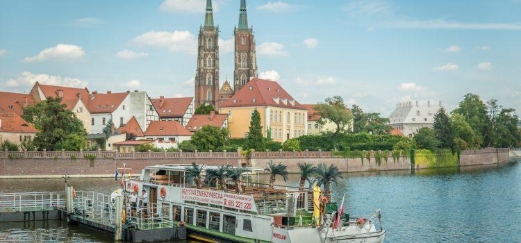 Czym poruszać się po Wrocławiu bez własnego środka transportu?